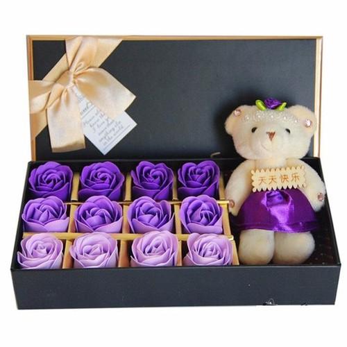 Hoa hồng 12 bông kèm gấu hộp Chữ nhật
