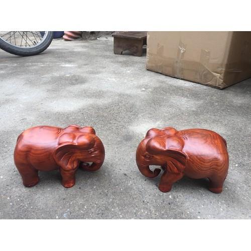 cặp tượng voi gỗ hương nguyên khối
