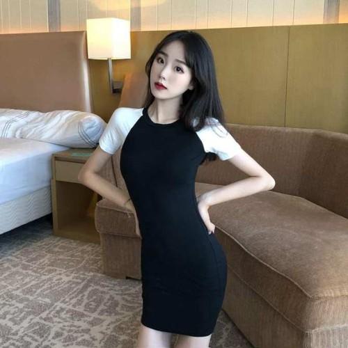 Váy body tay ngắn trắng đen