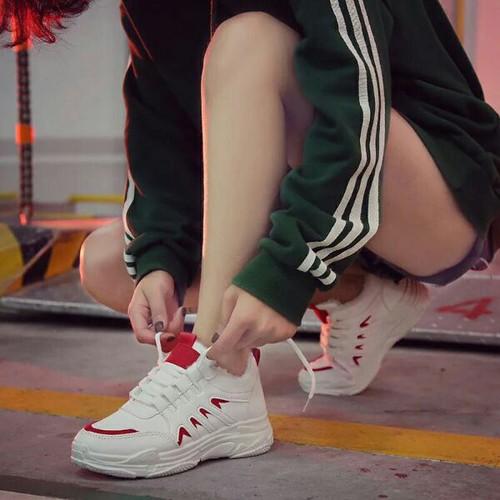 Giày sneaker nữ cổ thấp cực chất
