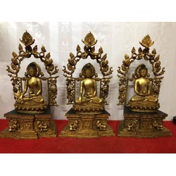 Tam thế Phật đường nét tinh tế sắc xảo, thần thái và có hồn