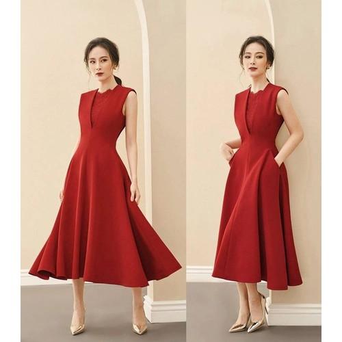Đầm xòe đỏ cổ V phối ren
