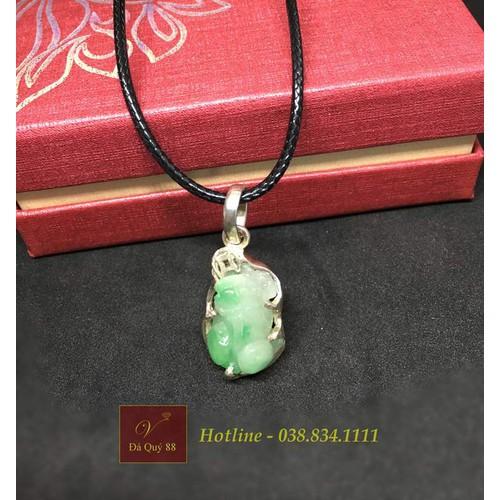 Mặt dây chuyền tỳ hưungọc cẩm thạch jadeite xanh ngọc tự nhiên bọc bạc 950