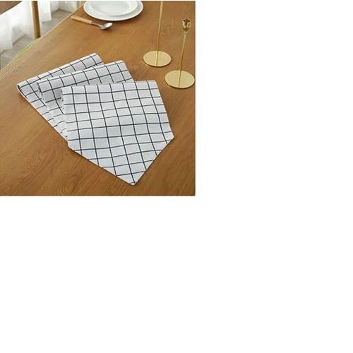 Khăn trải bàn dài tam giác caro trắng