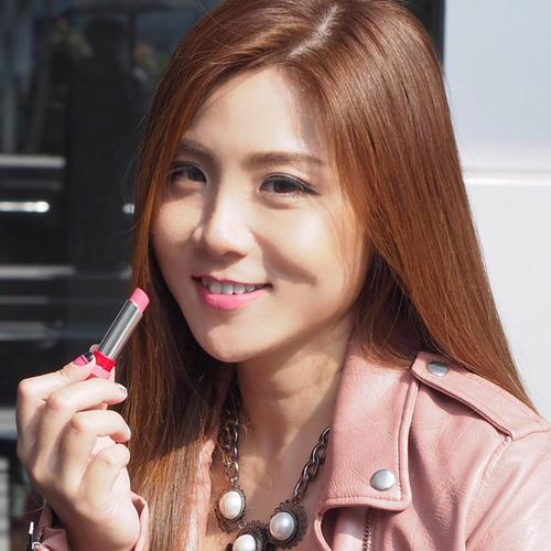 Son Rimmel The Only 1 Matte Lipstick 110 Leader Of The Pink hồng tươi đáng yêu