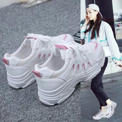 Giày sneaker nữ cổ thấp cá tính
