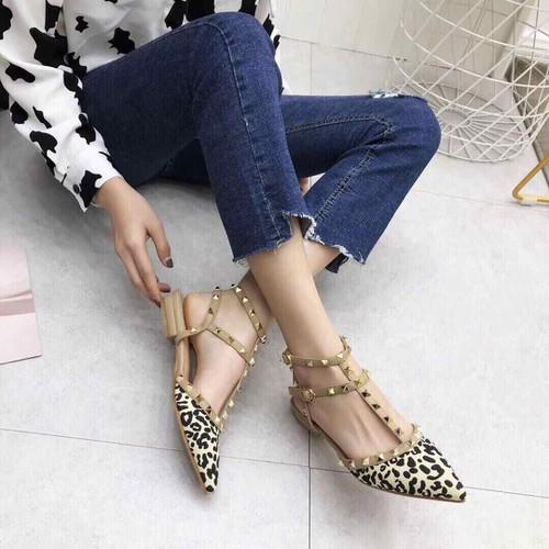 Giày bệt nữ viền đinh tu