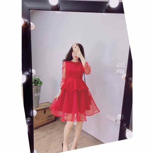 Đầm đỏ phối ren