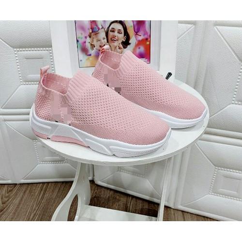 Giày slip on nữ cá tính
