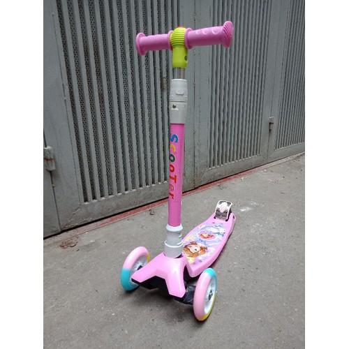 Xe trượt scooter 3 bánh điều chỉnh hướng