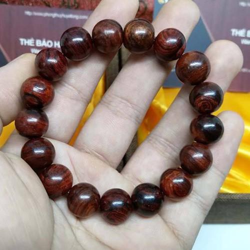 Vòng tay gỗ sưa đỏ 12mm