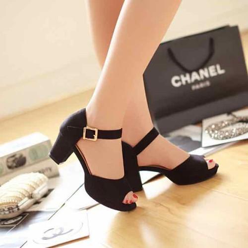 sandal cao gót bản ôm chân