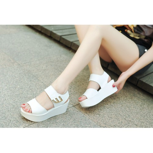 Giày Sandal cá tính