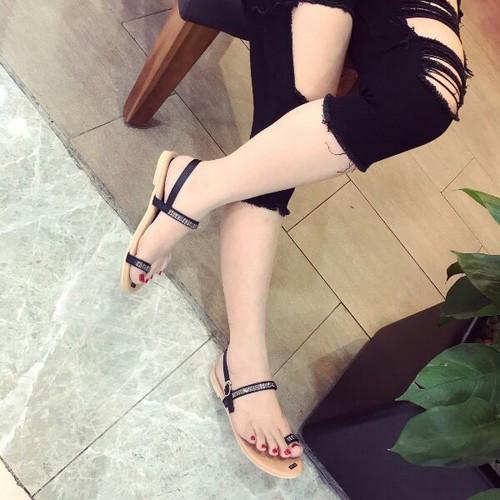 Giày sandal nữ đế bệt siêu xinh