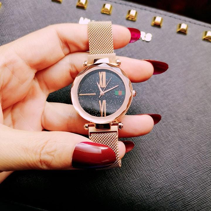 Đồng hồ nữ mặt kính 3D  tặng vòng  tay cao cấp 6