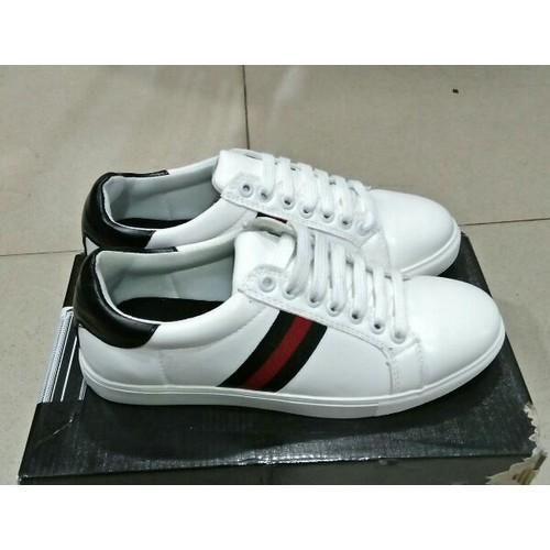 Giày thể thao trắng sọc đỏ đen - 6796559 , 16804119 , 15_16804119 , 120000 , Giay-the-thao-trang-soc-do-den-15_16804119 , sendo.vn , Giày thể thao trắng sọc đỏ đen