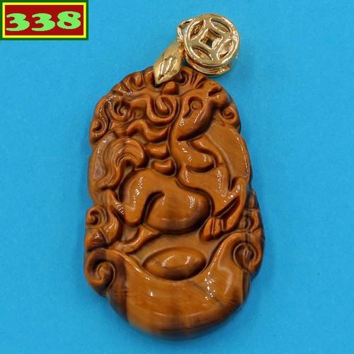 Mặt dây chuyền khắc linh vật tuổi Ngọ đá mắt hổ MMHCG8