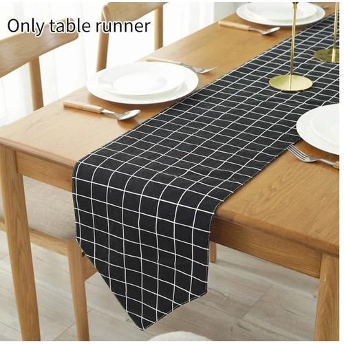 Khăn trải bàn dài tam giác caro đen