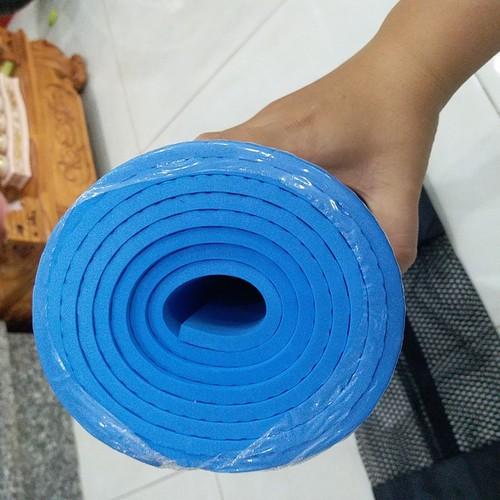 Thảm yoga loại dày 6mm có túi đeo vai xếp gọn tiện lợi