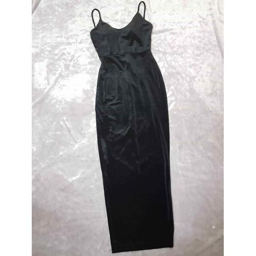 Đầm dạ hội đen nhung sẻ tà 1 bên