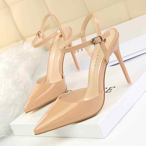 Giày thời trang giày cao gót bít mũi