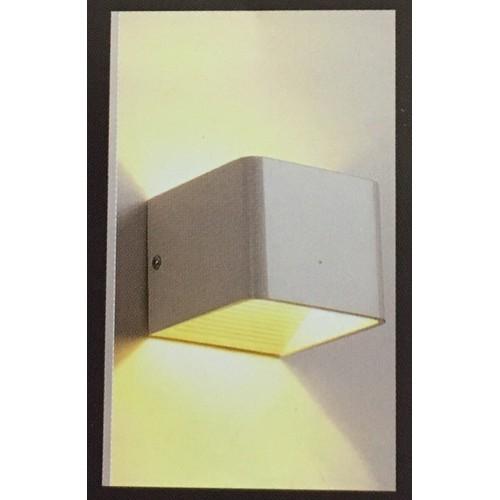 Đèn gắn tường