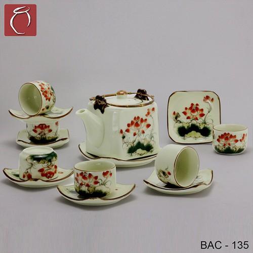 Bộ ấm chén vuông men kem hoa sen đỏ cao cấp gốm sứ Bảo Khánh Bát Tràng - bộ bình uống trà cao cấp - 6912852 , 16890170 , 15_16890170 , 650000 , Bo-am-chen-vuong-men-kem-hoa-sen-do-cao-cap-gom-su-Bao-Khanh-Bat-Trang-bo-binh-uong-tra-cao-cap-15_16890170 , sendo.vn , Bộ ấm chén vuông men kem hoa sen đỏ cao cấp gốm sứ Bảo Khánh Bát Tràng - bộ bình uống