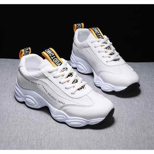Giày nữ thể thao - viền chữ nhỏ