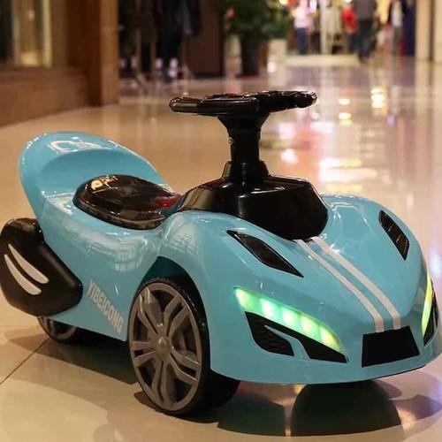 Xe lắc hình ô tô