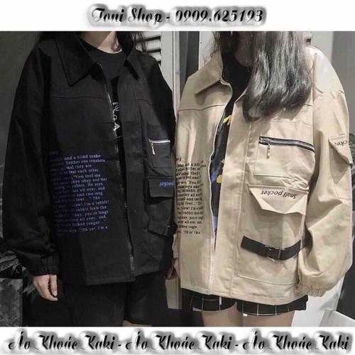 Áo khoác kaki túi hộp nam nữ in chữ bên phải áo