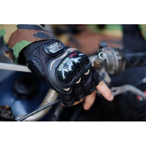 Găng tay gù hở ngón Pro Biker là sản phẩm dành cho phượt thủ trên mọi nẽo đường - 4610149 , 16934899 , 15_16934899 , 145000 , Gang-tay-gu-ho-ngon-Pro-Biker-la-san-pham-danh-cho-phuot-thu-tren-moi-neo-duong-15_16934899 , sendo.vn , Găng tay gù hở ngón Pro Biker là sản phẩm dành cho phượt thủ trên mọi nẽo đường