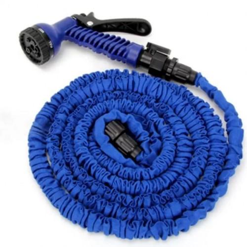 Vòi xịt nước giãn nở kéo dài tối đa 15 mét giúp đi ra xa vẫn không sợ thiếu dây