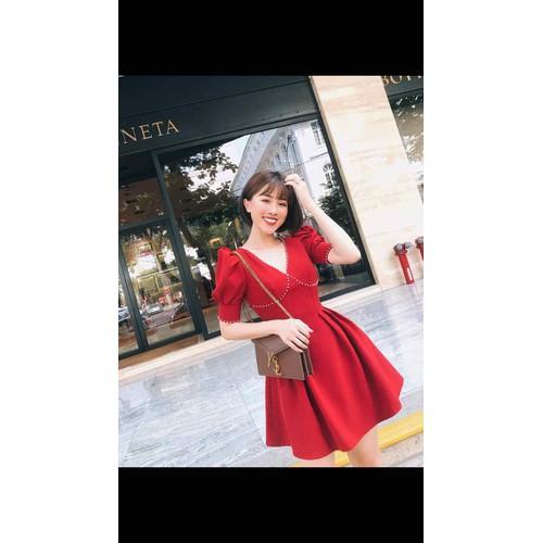 váy xoè nữ tính màu đỏ