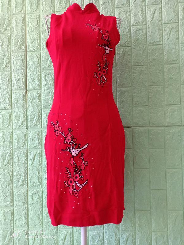 Đầm ôm đỏ in hoa