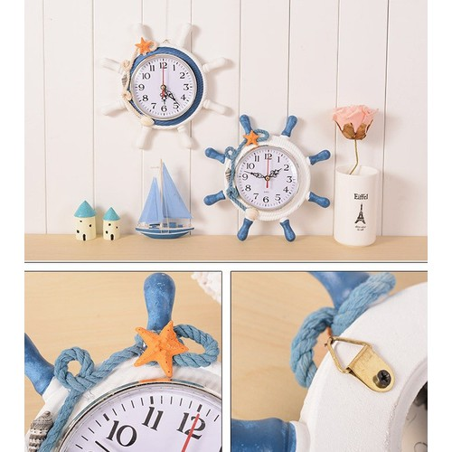 Đồng hồ để bàn hình tay lái tàu với thiết kế tao nhã, màu sắc hài hòa tôn lên vẽ quý phái