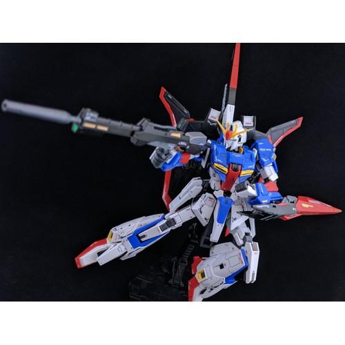 Mô hình lắp ráp RG Zeta Gundam