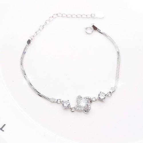 Lắc Tay Bạc Ý S925 Italy Bảo Ngọc Jewelry Hình Bông Hoa Đính Đá BNLT-24
