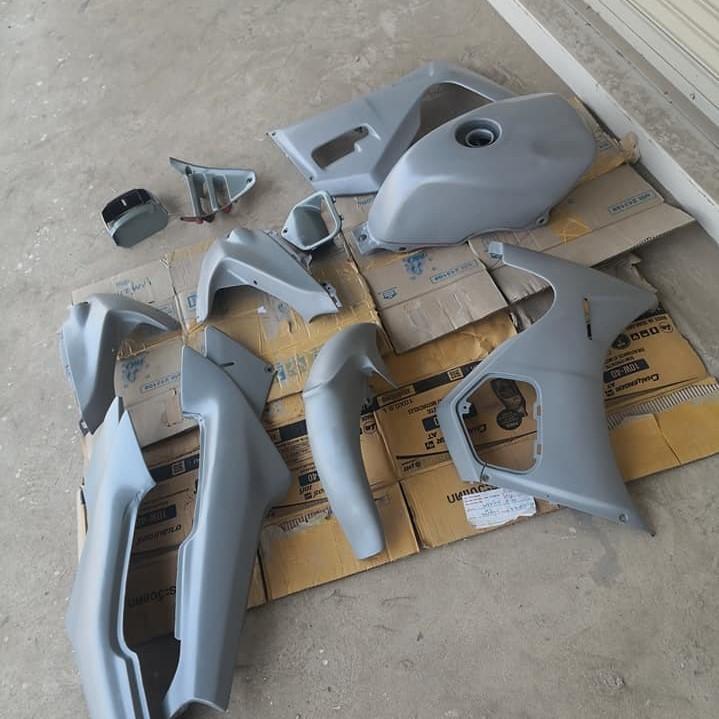 2K04 _ Chai Sơn Xịt Sơn Xe Máy Samurai 2K04 sơn lót xám _  Expoxy Surfacer lót  2 thành phần siêu bền  4