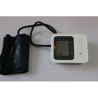 Combo siêu khủng máy huyết áp của đức, cân sức khỏe của ý, máy lấy ráy tai tự động của nhật. - huyết áp,cân ,máy lấy ráy tai 4