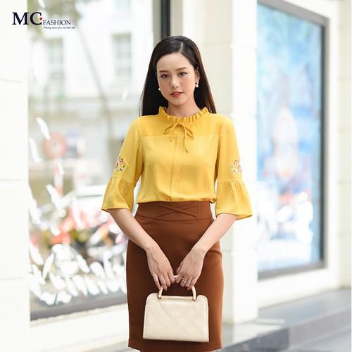 Áo kiểu thiết kế thời trang công sở nữ cổ nơ tay bèo HA-A573.V - 6448538 , 16529506 , 15_16529506 , 490000 , Ao-kieu-thiet-ke-thoi-trang-cong-so-nu-co-no-tay-beo-HA-A573.V-15_16529506 , sendo.vn , Áo kiểu thiết kế thời trang công sở nữ cổ nơ tay bèo HA-A573.V
