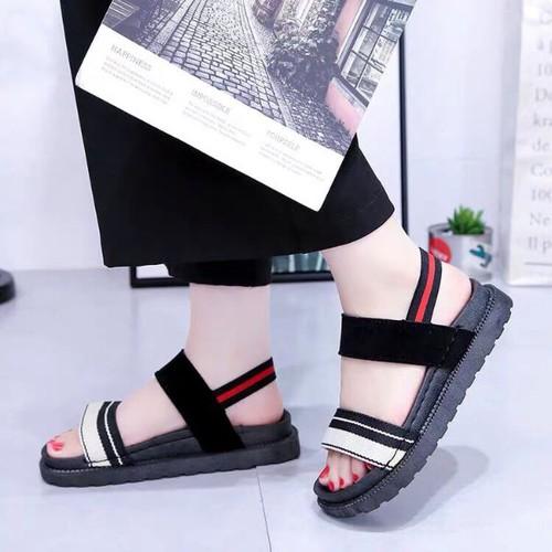 Giày sandanl đế đúc
