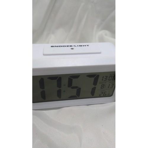 Đồng hồ Led sáng màn hình, đo nhiệt độ, báo thức hẹn giờ cực hay