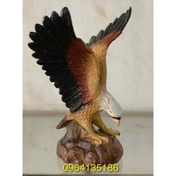 Tượng đại bàng tung cánh gốm sứ Bát Tràng