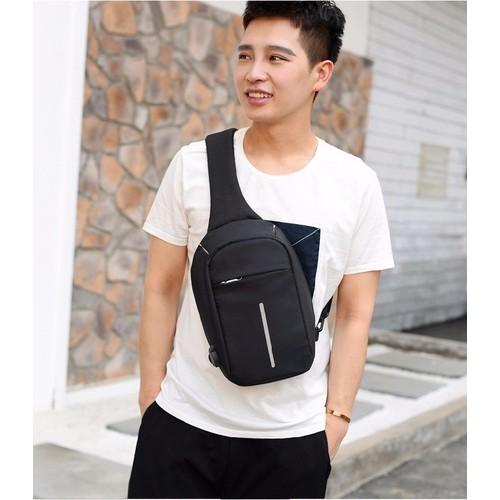 Túi đeo chéo chống trộm tặng kèm sạc