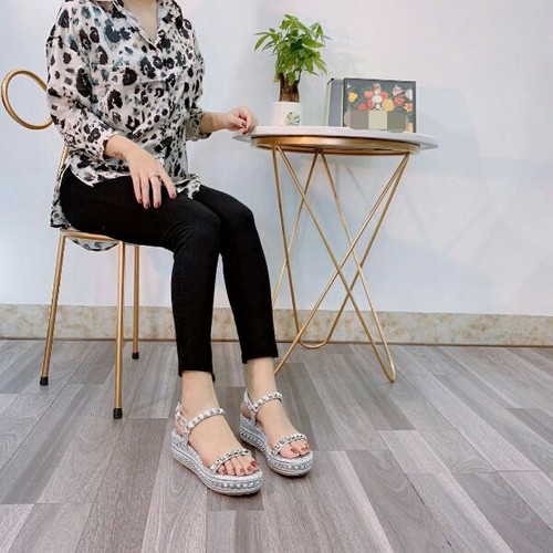 Giày sandal nữ đế xuồng tán đinh - 11143385 , 17425171 , 15_17425171 , 490000 , Giay-sandal-nu-de-xuong-tan-dinh-15_17425171 , sendo.vn , Giày sandal nữ đế xuồng tán đinh