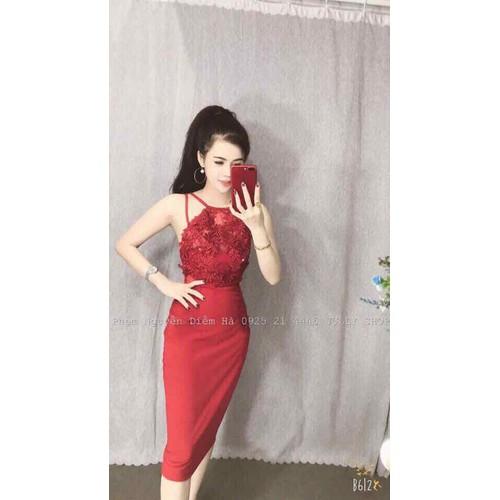 Đầm body yếm ren hoa 3D