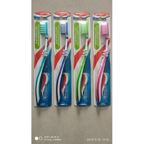 Bàn chải đánh răng Aquafresh soft