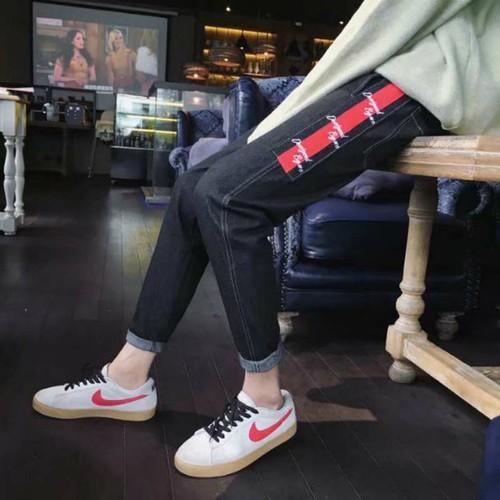 quần jeans viền chữ cá tính Mã: ND1114 - ĐEN