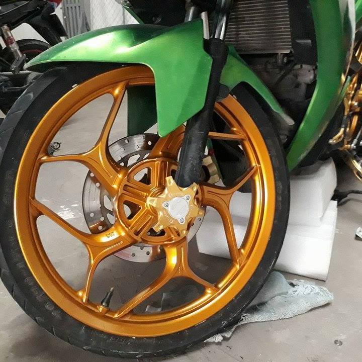 1102 _ Chai sơn xịt sơn xe máy Samurai 1102 màu vàng ánh kim tuyến Honda _ Yellow honda _shop uy tín, giao hàng nhanh 7