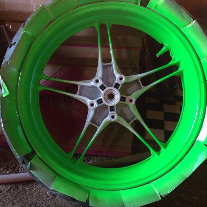 54 _ Sơn xit Samurai 54** màu xanh lá huỳnh quang  _ Fluorescent Green   sơn mâm xe máy và nhựa_ Tốt, giá rẻ, ship nhanh 5